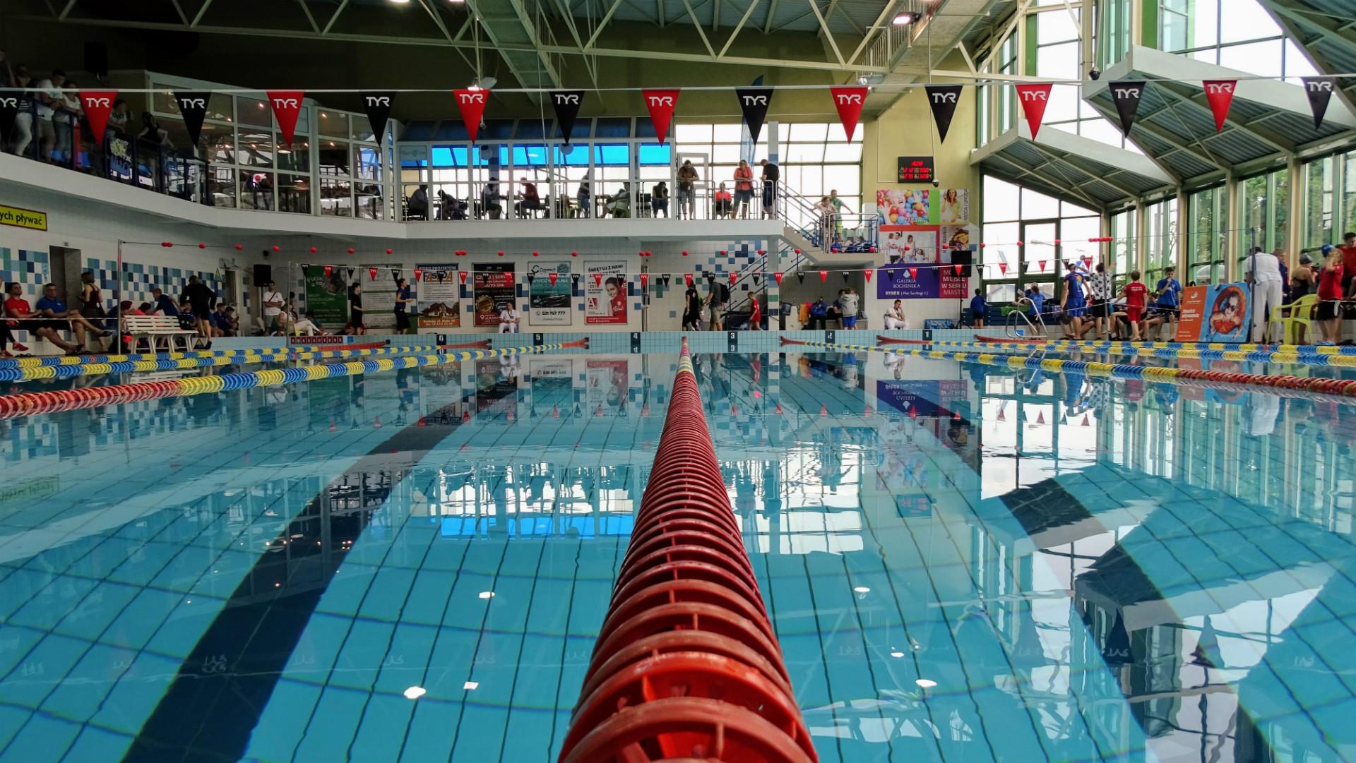 Hala basenowa pływalni w Bochni